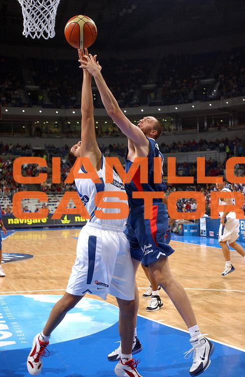 DESCRIZIONE : Belgrado Belgrade Eurobasket Men 2005 Francia Grecia<br /> GIOCATORE : Weis<br /> SQUADRA : Francia France<br /> EVENTO : Eurobasket Men 2005 Campionati Europei Uomini 2005<br /> GARA : Francia Grecia France Greece<br /> DATA : 24/09/2005<br /> CATEGORIA :<br /> SPORT : Pallacanestro<br /> AUTORE : Ciamillo&amp;Castoria/Fiba Europe Pool