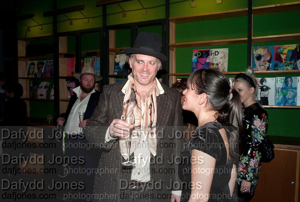JOE CORRE, 30 Years Of i-D - book launch. Q Book 5-8 Lower John Street, London . 4 November 2010. -DO NOT ARCHIVE-© Copyright Photograph by Dafydd Jones. 248 Clapham Rd. London SW9 0PZ. Tel 0207 820 0771. www.dafjones.com.