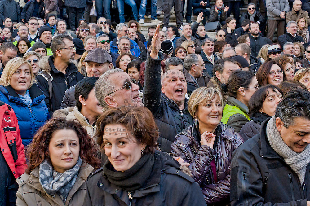 Roma 9 Gennaio 2015<br /> Assemblea unitaria dei lavoratori della Polizia locale di Roma Capitale,in piazza del Campidoglio, indetta dai sindacati Ospol, Cgil, Cisl, Uil e Sulpl, contro il contratto unilaterale, l'amministazione capitolina, il sindaco di Roma Ignazio Marino e il comandante della polizia municipale Raffaele Clemente.<br /> Rome, January 9, 2015<br /> Assembly unit of employees of the local police of Roma Capitale, in Campidoglio square, called by trade unions Ospol, CGIL, CISL, UIL and Sulpl, against the unilateral contract, the administration-Capitoline, Rome mayor Ignazio Marino and the commander of the municipal police Raffaele Clemente.