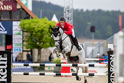 MEYER Tobias (GER), Nibali van het Eikenhof<br /> Hagen - Horses and Dreams 2019 <br /> 2. Qualifikation Youngster Tour für 6+7j Pferde<br /> Preis der Gemeinde Hagen a.T.W.<br /> 26. April 2019<br /> © www.sportfotos-lafrentz.de/Stefan Lafrentz