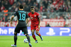 04.11.2015, Allianz Arena, Muenchen, GER, UEFA CL, FC Bayern Muenchen vs FC Arsenal, Gruppe F, im Bild l-r: im Zweikampf, Aktion, mit Santi Cazorla #19 (FC Arsenal London) und Kingsley Coman #29 (FC Bayern Muenchen) // during the UEFA Champions League group F match between FC Bayern Munich and FC Arsenal at the Allianz Arena in Muenchen, Germany on 2015/11/04. EXPA Pictures &copy; 2015, PhotoCredit: EXPA/ Eibner-Pressefoto/ Kolbert<br /> <br /> *****ATTENTION - OUT of GER*****