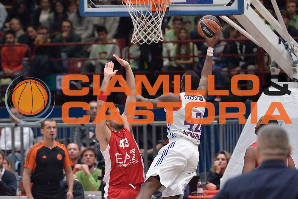 Milano 26 Novembre 2015<br /> Eurolega Basket<br /> EA7 ARMANI MILANO Vs Efes Istanbul<br /> Nella Foto Bryant Dunston Tiro Istanbul<br /> Foto Ciamillo<br /> Provvisorio