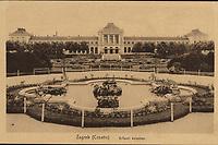 Zagreb (Croatie) : Državni kolodvor. <br /> <br /> Impresum[S. l. : S. n., između 1905 i 1924].<br /> Materijalni opis1 razglednica : tisak ; 8,9 x 13,9 cm.<br /> Vrstavizualna građa • razglednice<br /> ZbirkaGrafička zbirka NSK • Zbirka razglednica<br /> Formatimage/jpeg<br /> PredmetZagreb –– Trg kralja Tomislava<br /> SignaturaRZG-TOM-52<br /> Obuhvat(vremenski)20. stoljeće<br /> NapomenaRazglednica nije putovala.<br /> PravaJavno dobro<br /> Identifikatori000953712<br /> NBN.HRNBN: urn:nbn:hr:238:384202 <br /> <br /> Izvor: Digitalne zbirke Nacionalne i sveučilišne knjižnice u Zagrebu
