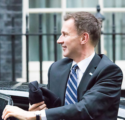 Downing Street, London, November 24th 2015. Health Secretary Jeremy Hunt arrives at Downing Street for the weekly cabinet meeting. ///FOR LICENCING CONTACT: paul@pauldaveycreative.co.uk TEL:+44 (0) 7966 016 296 or +44 (0) 20 8969 6875. ©2015 Paul R Davey. All rights reserved.