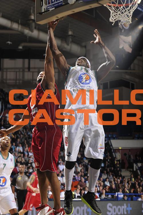 DESCRIZIONE : Championnat de France Basket Ligue Pro A  Semaine des As Pau<br /> GIOCATORE : Joseph Georgi<br /> SQUADRA : Pau<br /> EVENTO : Ligue Pro A  2010-2011<br /> GARA : Pau Cholet<br /> DATA : 10/02/2011<br /> CATEGORIA : Basketbal France Ligue Pro A<br /> SPORT : Basketball<br /> AUTORE : JF Molliere par Agenzia Ciamillo-Castoria <br /> Galleria : France Basket 2010-2011 Action<br /> Fotonotizia : Championnat de France Basket Ligue Pro A Semaine des As Quart Finale Pau