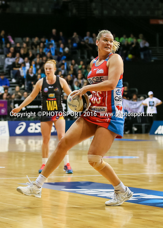 NSW Swift's Caitlin Thwaites in action during the ANZ Netball Championship semi final between the Waikato BOP Magic and the NSW Swifts, played at Claudelands Arena, Hamilton, New Zealand on Monday 25 July 2016.  Copyright Photo: Bruce Lim / www.photosport.nz