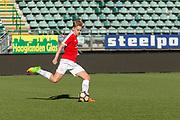 ADO Den Haag stadion, Den Haag. Voetbalwedstrijd van Creators FC tegen War Child and Friends. Op de foto: