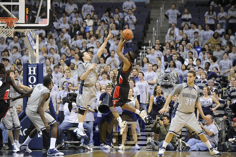 23 February 2008:   Cincinnati guard Larry Davis (11) against Georgetown guard Jeremiah Rivers (5) at the Verizon Center in Washington, D.C.  The Hoyas defeated the University of Cincinnati Bearcats 73-53.