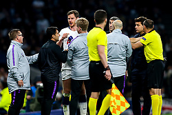 Jan Vertonghen of Tottenham Hotspur looks dazed as he tries to rejoin the action after picking up a head injury - Mandatory by-line: Robbie Stephenson/JMP - 30/04/2019 - FOOTBALL - Tottenham Hotspur Stadium - London, England - Tottenham Hotspur v Ajax - UEFA Champions League Semi-Final 1st Leg