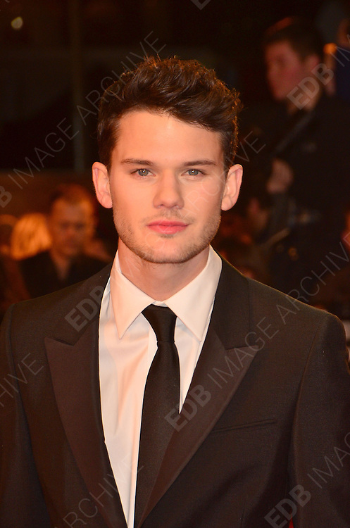 08.JANUARY.2012. LONDON<br /> <br /> JEREMY IRVINE ARRIVES AT THE WAR HORSE PREMIERE HELD AT THE ODEON LEICESTER SQUARE IN LONDON.<br /> <br /> BYLINE: EDBIMAGEARCHIVE.COM<br /> <br /> *THIS IMAGE IS STRICTLY FOR UK NEWSPAPERS AND MAGAZINES ONLY*<br /> *FOR WORLD WIDE SALES AND WEB USE PLEASE CONTACT EDBIMAGEARCHIVE - 0208 954 5968*