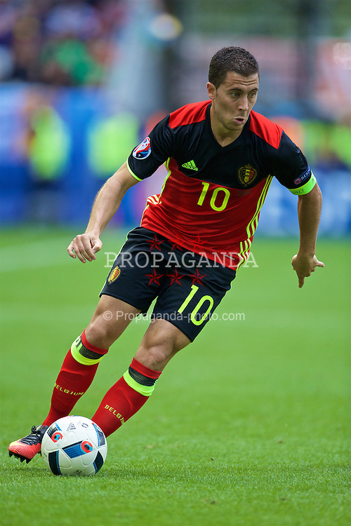 BORDEAUX, FRANCE - Saturday, June 18, 2016: Belgium's Eden Hazard in action against the Republic of Ireland during the UEFA Euro 2016 Championship Group E match at Stade de Bordeaux. (Pic by Paul Greenwood/Propaganda)