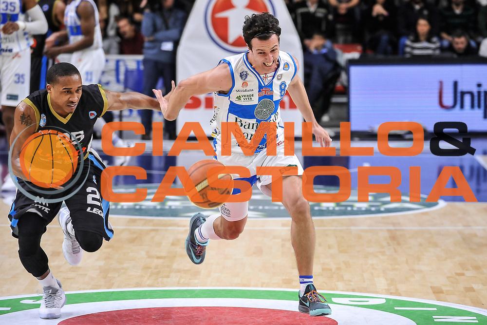 DESCRIZIONE : Campionato 2014/15 Serie A Beko Dinamo Banco di Sardegna Sassari - Upea Capo D'Orlando<br /> GIOCATORE : Tyrus  McGee Giacomo Devecchi<br /> CATEGORIA : Palleggio Contropiede Curiosità<br /> SQUADRA : Dinamo Banco di Sardegna Sassari<br /> EVENTO : LegaBasket Serie A Beko 2014/2015<br /> GARA : Dinamo Banco di Sardegna Sassari - Upea Capo D'Orlando<br /> DATA : 22/03/2015<br /> SPORT : Pallacanestro <br /> AUTORE : Agenzia Ciamillo-Castoria/L.Canu<br /> Galleria : LegaBasket Serie A Beko 2014/2015