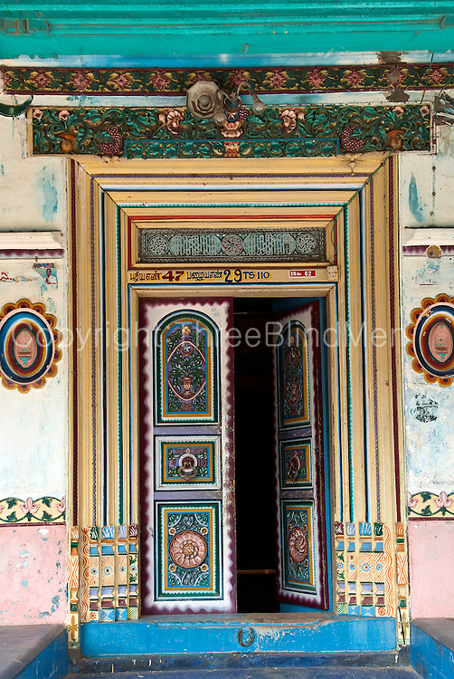 The Muslim quarter of Nagor town, just north of Nagapattinam has many fine old well preserved homes with fine doors and windows.