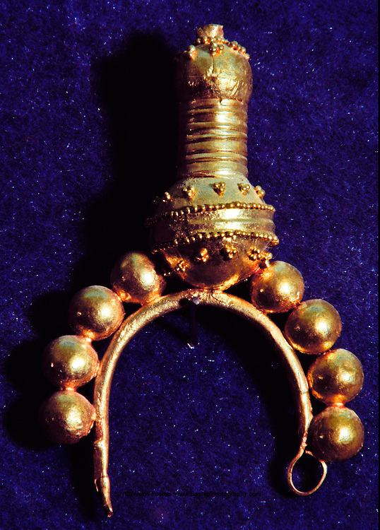 Gold jewelery from the Jawan tomb. National Museum of Saudi Arabia. Riyadh, Saudi Arabia