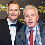 NLD/Amsterdam/20151215 - première van STAR WARS: The Force Awakens!, Andre van Duin en partner Martin Elferink