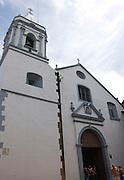 """Iglesia de San José, se construyó entre 1671 y 1677. Su altar mayor cubierto de pan de oro data de los primeros años del siglo XVIII, aunque la tradición pregona que fue salvado de la destrucción de Panamá la Vieja..Esta iglesia es famosa por su altar, una maravilla barroca de tres calles labrada en caoba, con influencias indígenas y coloniales. Según la leyenda, este """"Altar de Oro"""" fue casi lo único que se libró del fuego de 1671 y los agustinos lo trasladaron al emplazamiento actual en 1677. ©Victoria Murillo / Istmophoto.com"""