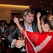 NLD/Amsterdam/20110209 - Premiere Blind Vertrouwen, Angela Schijf en Victor Reinier