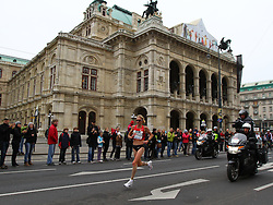 15.04.2012, Wien, AUT, Vienna City Marathon 2012, im Bild Paula Radcliffe (UK) vor der Wiener Staatsoper // during the Vienna City Marathon 2012, Vienna, Austria on 15/04/2012,  EXPA Pictures © 2012, PhotoCredit: EXPA/ T. Haumer