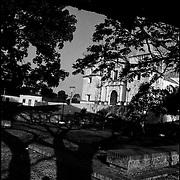 MISCELÁNEAS<br /> Photography by Aaron Sosa<br /> Iglesia San Antonio de Padua<br /> Clarines, Estado Anzoategui<br /> Venezuela 2004<br /> (Copyright © Aaron Sosa)