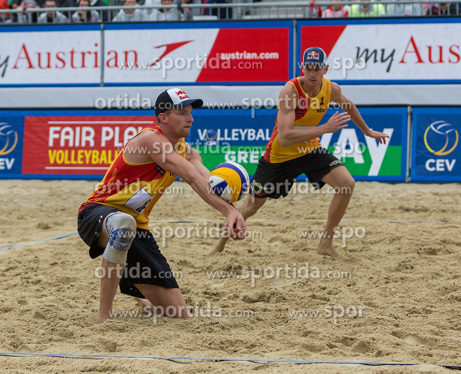 02.08.2015, Strandbad, Klagenfurt, AUT, A1 Beachvolleyball EM 2015, Halbfinale Herren, im Bild Alexander Brouwer 1 NED / Robert Meeuwsen 2 NED // during Semifinal Final Men, of the A1 Beachvolleyball European Championship at the Strandbad Klagenfurt, Austria on 2015/08/02. EXPA Pictures © 2015, EXPA Pictures © 2015, PhotoCredit: EXPA/ Mag. Gert Steinthaler