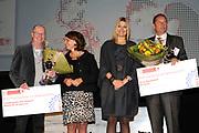 Prinses Maxima woont de uitreiking bij van het beste leerbedrijf 2010 in de Laurentius en Elisabeth kathedraal in Rotterdam.<br /> <br /> Princess Maxima attends the ceremony of the best training company in 2010 in the Lawrence and Elizabeth Cathedral in Rotterdam.<br /> <br /> Op de foto / On the Photo:  <br /> <br /> <br /> <br />  v.l.n.r. Adri Schepers , minister OCW Blijstervelt-vliegenthart, Prinses Maxima en Kasper Burgy