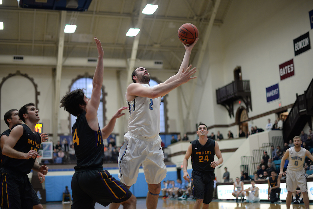 2/20/16 – Medford/Somerville, MA –Tufts tri-captain center Tom Palleschi (LA'17) shoots the ball in a 77-71 win against Williams College in the men's basketball NESCAC Quarterfinals on Feb. 20, 2016. (Sofie Hecht / The Tufts Daily)
