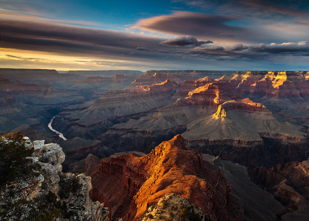 A Grand Canyon sunset viewed from Mohave Point on the Hermit Road. South Rim of Grand Canyon National Park in Arizona.