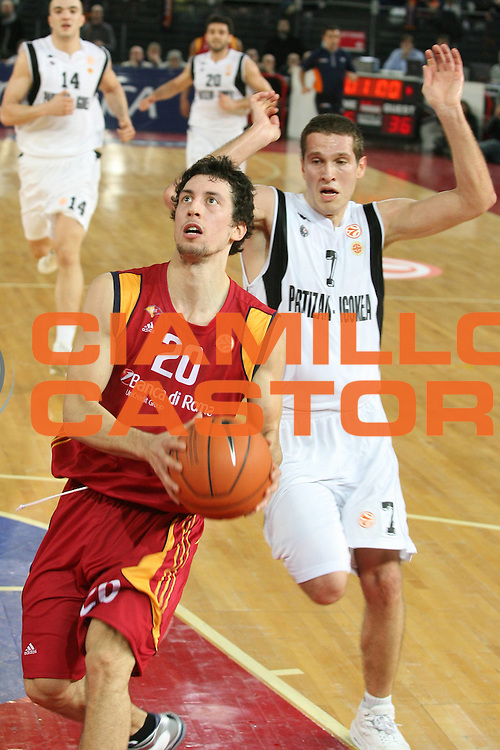 DESCRIZIONE : Roma Eurolega 2007-08 Lottomatica Virtus Roma Partizan Belgrado <br /> GIOCATORE : Roko Leni Ukic <br /> SQUADRA : Lottomatica Virtus Roma <br /> EVENTO : Eurolega 2007-2008 <br /> GARA : Lottomatica Virtus Roma Partizan Belgrado <br /> DATA : 16/01/2008 <br /> CATEGORIA : Penetrazione <br /> SPORT : Pallacanestro <br /> AUTORE : Agenzia Ciamillo-Castoria/G.Ciamillo