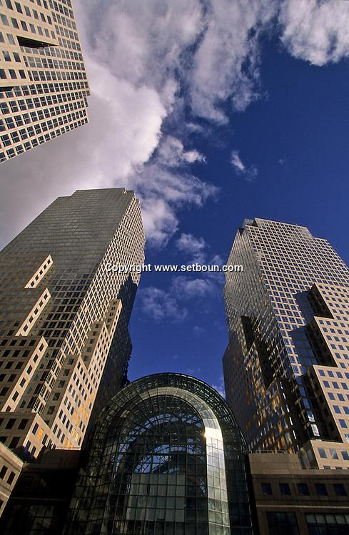 New York. the destroyed world trade center , after 9/11 the attack: New York  Usa   /   world trade center detruit. apres l'attaque du 9 septembre, New York  USa
