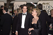 Hugh Grant and Tina Brown. Golden Globes. Beverley Hilton. 21 January 2001. © Copyright Photograph by Dafydd Jones 66 Stockwell Park Rd. London SW9 0DA Tel 020 7733 0108 www.dafjones.com