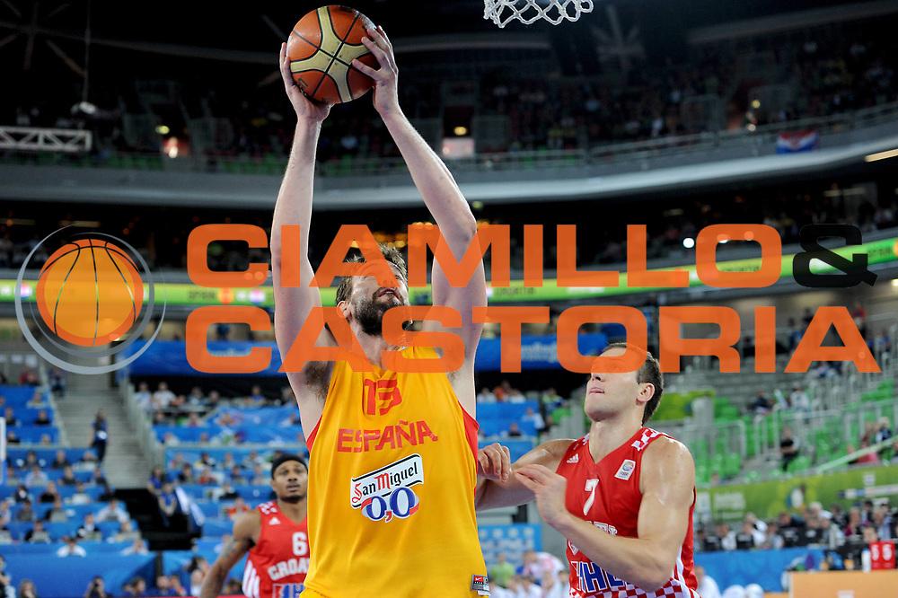 DESCRIZIONE : Lubiana Ljubliana Slovenia Eurobasket Men 2013 Finale Terzo Quarto Posto Spagna Croazia Final for 3rd to 4th place Spain Croatia<br /> GIOCATORE : Marc Gasol<br /> CATEGORIA : tiro shot <br /> SQUADRA : Spagna Spain<br /> EVENTO : Eurobasket Men 2013<br /> GARA : Spagna Croazia Spain Croatia<br /> DATA : 22/09/2013 <br /> SPORT : Pallacanestro <br /> AUTORE : Agenzia Ciamillo-Castoria/C.De Massis<br /> Galleria : Eurobasket Men 2013<br /> Fotonotizia : Lubiana Ljubliana Slovenia Eurobasket Men 2013 Finale Terzo Quarto Posto Spagna Croazia Final for 3rd to 4th place Spain Croatia<br /> Predefinita :