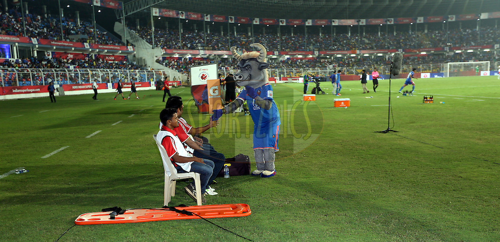 Medical staff during match 25 of the Indian Super League (ISL) season 2  between FC Goa and FC Pune City held at the Jawaharlal Nehru Stadium, Fatorda, Goa, India on the 30th October 2015.<br /> <br /> Photo by Sandeep Shetty / ISL/ SPORTZPICS
