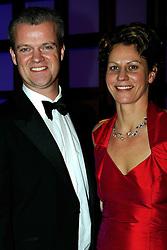 16-12-2008 ALGEMEEN: NOC NSF SPORTGALA: AMSTERDAM<br /> Robin van Galen krijgt de prijs uitgereikt door Foppe de Haan <br /> ©2008-WWW.FOTOHOOGENDOORN.NL