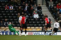 Photo: Steve Bond/Sportsbeat Images.<br /> Derby County v Blackburn Rovers. The FA Barclays Premiership. 30/12/2007. Matt Oakley (R) beats keeper Brad Friedel (L) to score