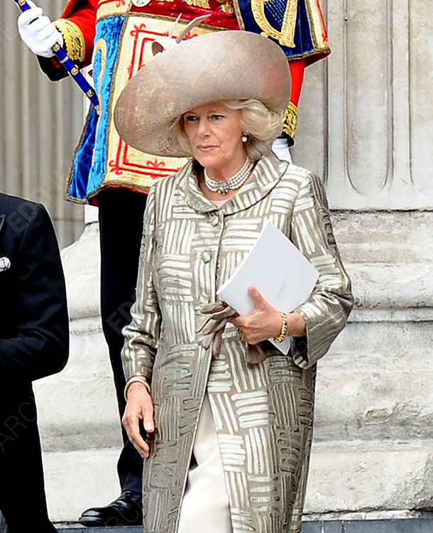 05.JUNE.2012. LONDON<br /> <br /> CAMILLA DUCHESS OF CORNWALL LEAVING THE SERVICE OF THANKSGIVING AS PART OF THE QUEEN'S DIAMOND JUBILEE CELEBRATIONS AT ST PAUL'S CATHEDRAL IN LONDON<br /> <br /> BYLINE: EDBIMAGEARCHIVE.CO.UK<br /> <br /> *THIS IMAGE IS STRICTLY FOR UK NEWSPAPERS AND MAGAZINES ONLY*<br /> *FOR WORLD WIDE SALES AND WEB USE PLEASE CONTACT EDBIMAGEARCHIVE - 0208 954 5968*
