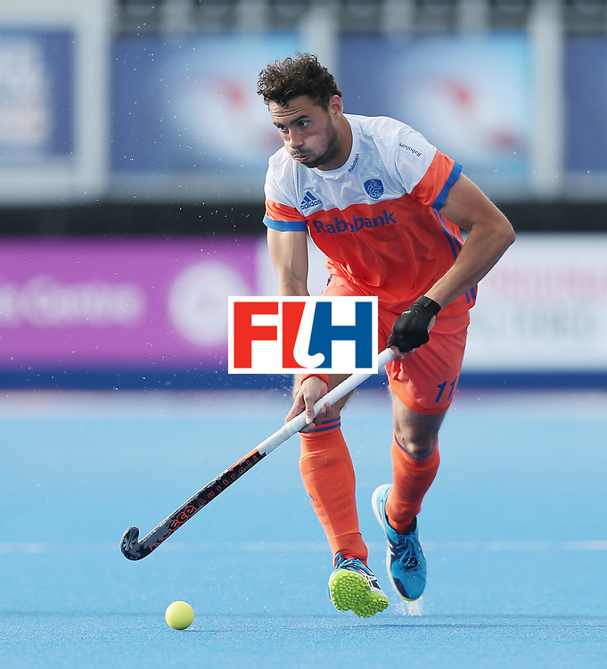 LONDON, ENGLAND - JUNE 15:  Glenn Schuurman of the Netherlands during the Hero Hockey World League Semi Final match between Netherlands and Pakistan at Lee Valley Hockey and Tennis Centre on June 15, 2017 in London, England.  (Photo by Alex Morton/Getty Images)