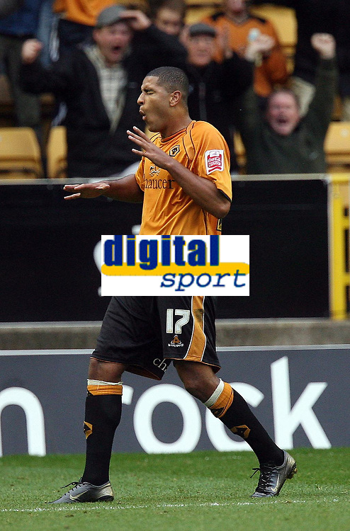 Photo: Rich Eaton.<br /> <br /> Wolverhampton Wanderers v Sheffield Wednesday. Coca Cola Championship. 28/10/2006. Leon Clarke scores the equalizer for Wolves to make it 2-2 then pulls up in pain