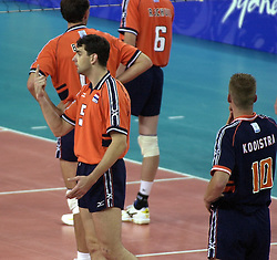 21-09-2000 AUS: Olympic Games Volleybal Nederland - Brazilie, Sydney<br /> Nederland verliest met 3-0 van Brazilie / Guido Gortzen