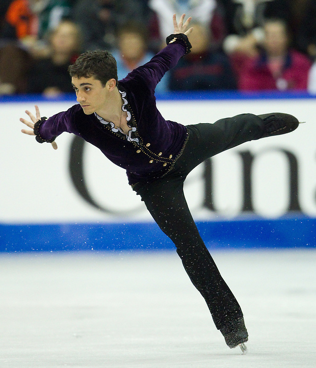 GJR430 -20111029- Mississauga, Ontario,Canada-  Javier Fernandez of Spain skates to a silver medal in the mens competition at Skate Canada International, in Mississauga, Ontario, October 29, 2011.<br /> AFP PHOTO/Geoff Robins
