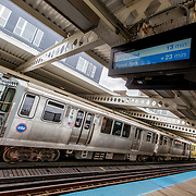 Chicago El Blue Line train platform