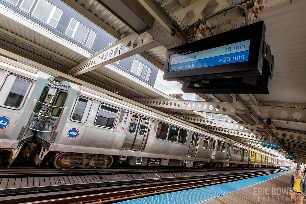 Chicago El Blue Line train platform