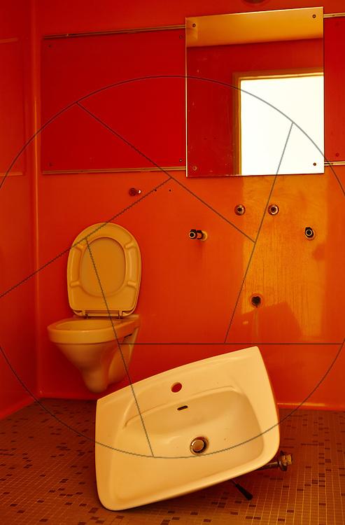Farum Midtpunkt, bygning af plejecenter og seniorboliger, Hoffmann, KAB, toilet, håndvask, badeværelse