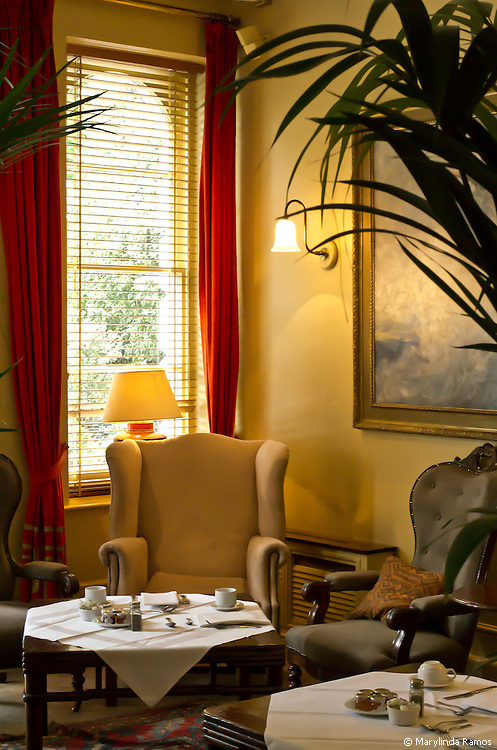 The breakfast room at the Portobello Hotel, in Notting Hill, London.  (Editorial use only.)