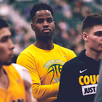 Shaquille Harris of the Regina Cougars during the Men's Basketball Home Game on Fri Nov 02 at Centre for Kinesiology,Health and Sport. Credit: Arthur Ward/Arthur Images