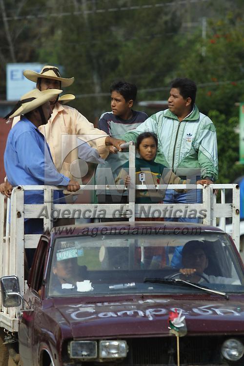 Tejupilco, M&eacute;x.- Unidad de transporte publico en la zona sur del Estado. Agencia MVT / Mario V&aacute;zquez de la Torre. (DIGITAL)<br /> <br /> NO ARCHIVAR - NO ARCHIVE