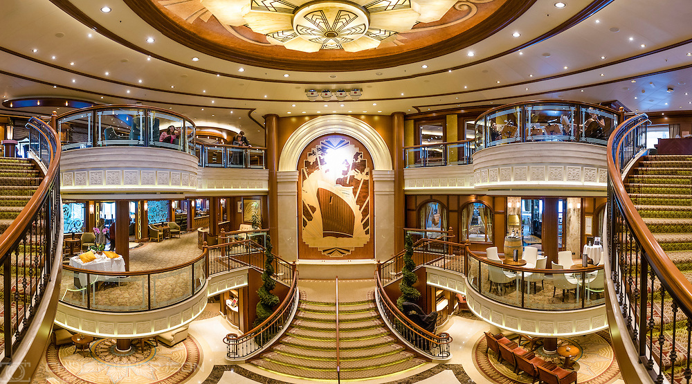 The Grand Lobby on board Cunard's Queen Elizabeth in Southampton.<br /> Picture date: Tuesday January 3, 2017.<br /> Photograph by Christopher Ison &copy;<br /> 07544044177<br /> chris@christopherison.com<br /> www.christopherison.com