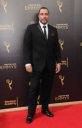 Anthony Mendez bei den Creative Arts Emmy Awards in Los Angeles / 100916<br /> <br /> <br /> *** at the Creative Arts Emmy Awards in Los Angeles on September 10, 2016 ***