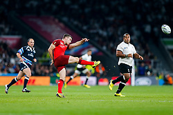 England Fly-Half George Ford - Mandatory byline: Rogan Thomson/JMP - 07966 386802 - 18/09/2015 - RUGBY UNION - Twickenham Stadium - London, England - England v Fiji - Rugby World Cup 2015 Pool A.