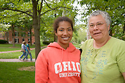17660Mom's Weekend 2006 Candids on Campus ..Alexandria Spivey, B. Spivey