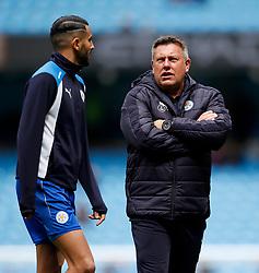 Leicester City manager Craig Shakespeare talks with Riyad Mahrez - Mandatory by-line: Matt McNulty/JMP - 13/05/2017 - FOOTBALL - Etihad Stadium - Manchester, England - Manchester City v Leicester City - Premier League